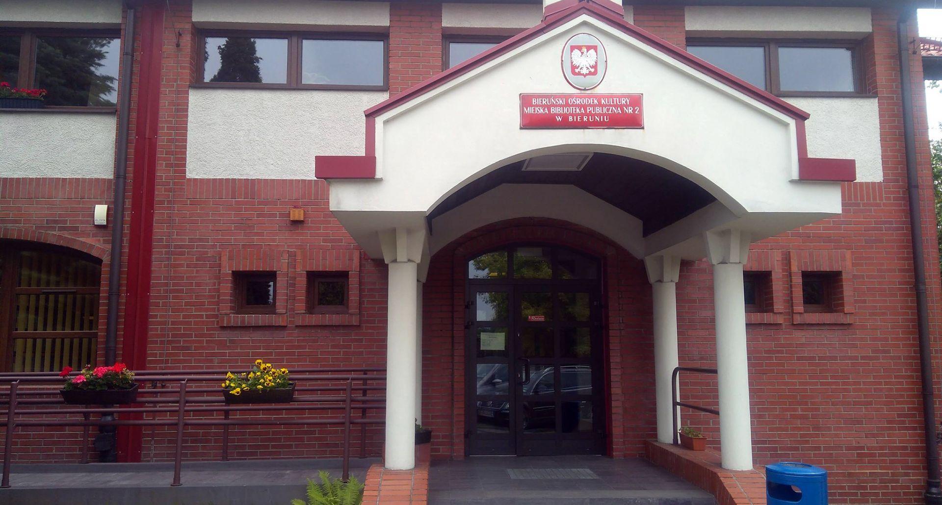 Widok budynku Domu Kultury Triada w Nowym Bieruniu